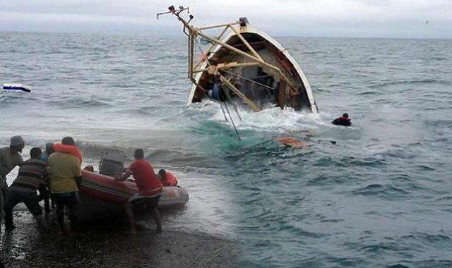 """سيدي إفني : تفاصيل جديدة عن فاجعة شاطئ """"بومرسال""""..القارب سُرق من أكادير ، وكان على مثنه أسرة كـــاملة من 6 أفراد"""