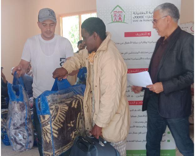 بالصُّور.. توزيع حصص جديدة من المساعدات على دواوير بجماعة سيدي أحمد أوموسى