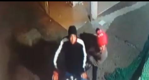 تيزنيت : بالفيديو.. كاميرا المراقبة ترصد عملية سرقة صناديق تمــــور