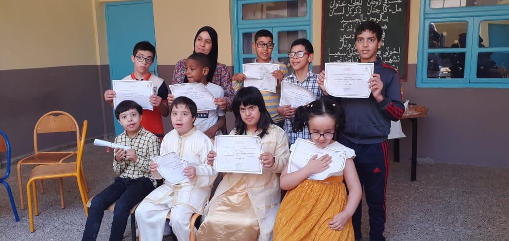تيزنيت : بالصور ..مدرسة اليعقوبي تنظم حفلا لفائدة أطفال القسم المدمج بمناسبة اختتام السنة الدراسية
