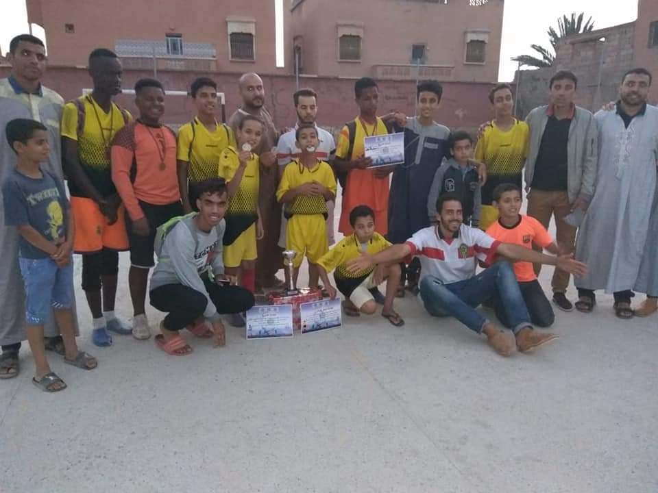 تيعمي : بالصور ..جمعية اسافو تُسدل الستار عن الدوري الصيفي لكرة القدم المصغرة فئة الصغار