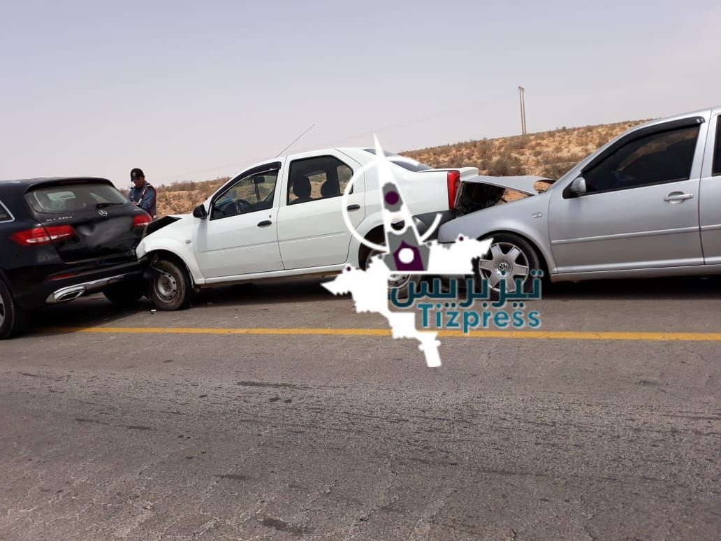 إصابات بشرية وخسائر مادية في حادثة سير بين أولاد جرار وتزنيت