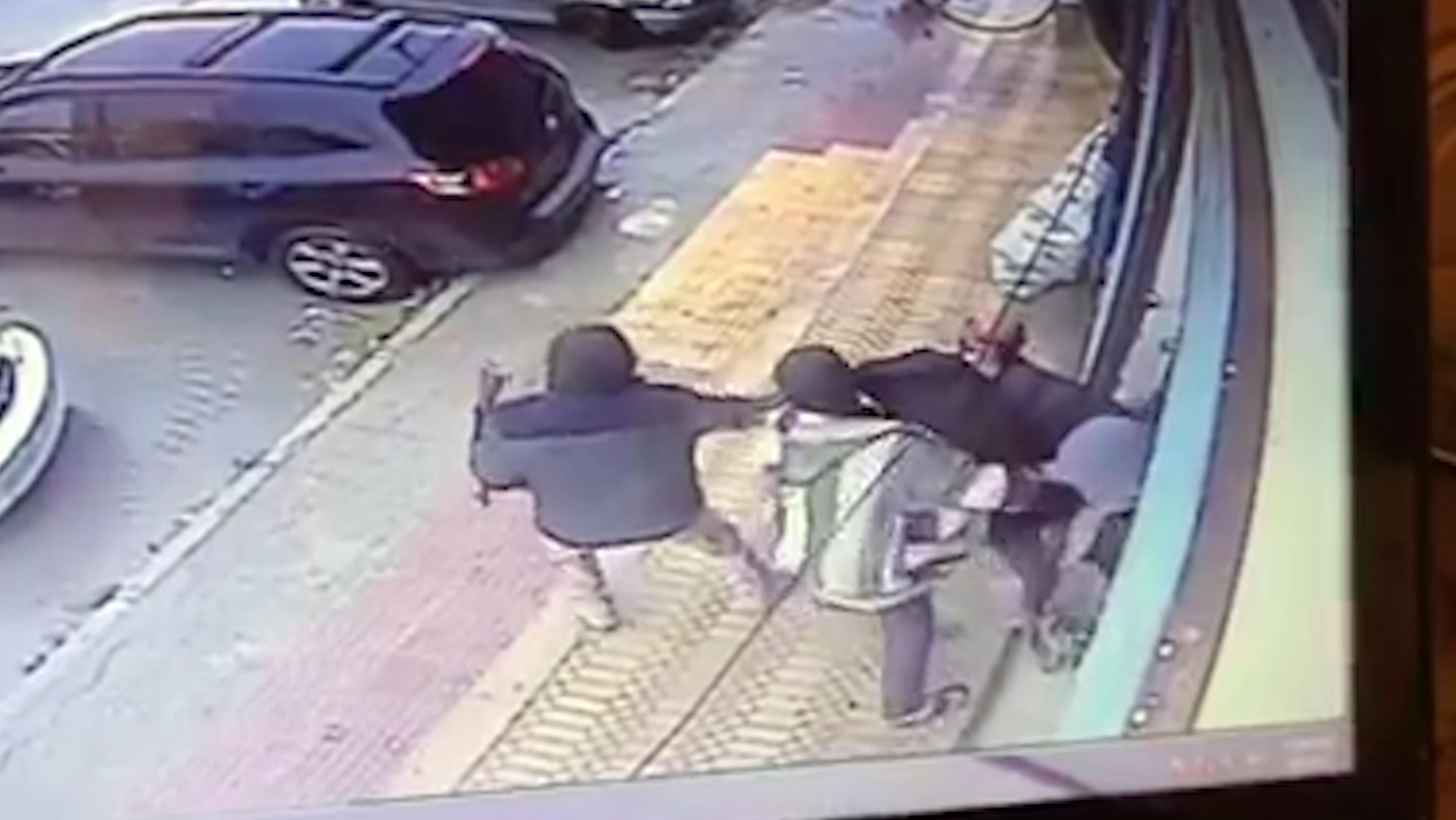 مهاجمة مسن أمام وكالة بنكية بتيزنيت وسرقة أمواله