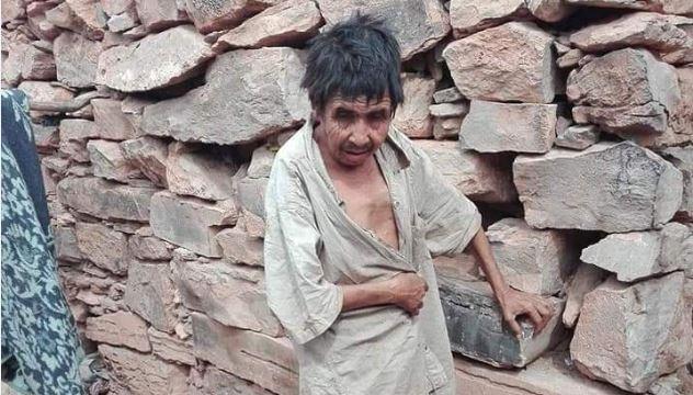 كلميم : أسرة فقيرة تسكن داخل كهف