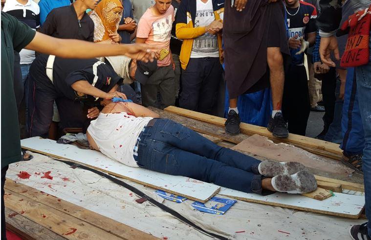 تيزنيت: بالصّور و الفيديو  ..دماء واعتقالات وتهشيم زجاج سيارة أمن في حملة لتحرير الرصيف