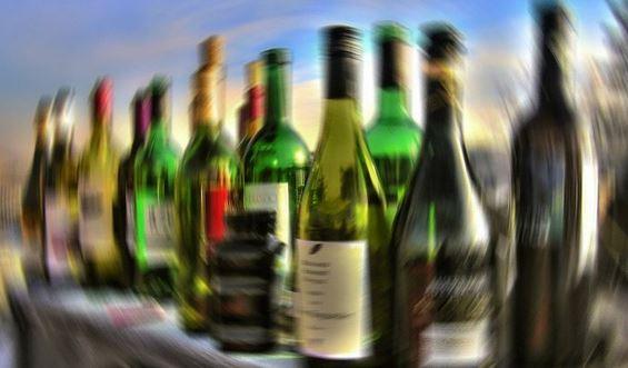 تيزنيت: الدرك يحجز كمية كبيرة من الخمور داخل فندق