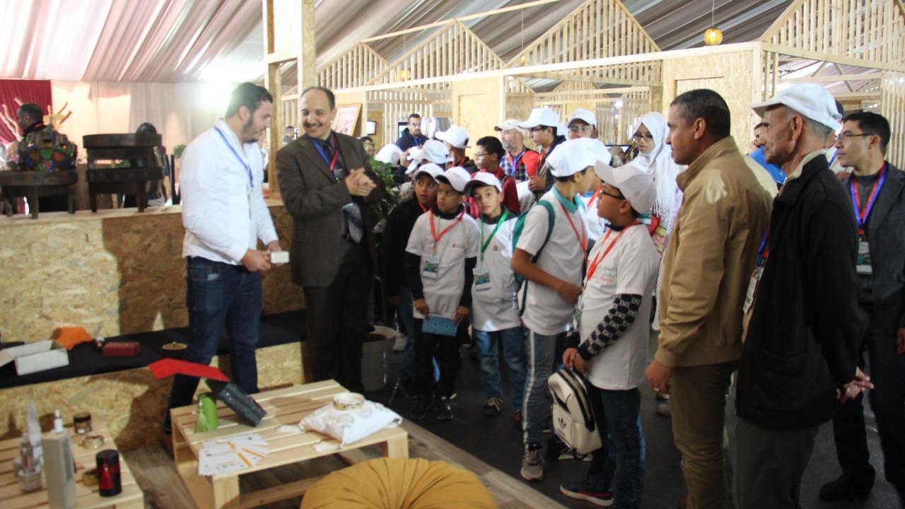 تيزنيت : بالصّور ..شبكة الاندية البيئية في زيارة للمعرض الدولي للاركان