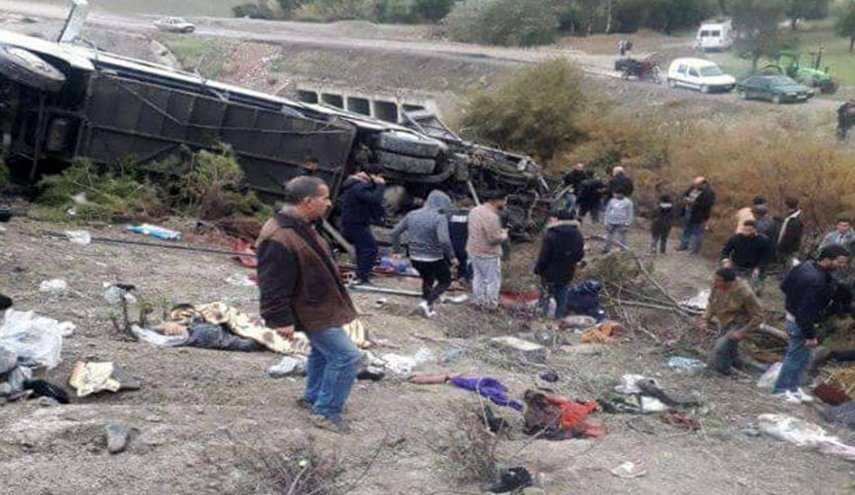 مصرع 8 أشخاص وإصابة 42 جراء انقلاب حافلة بتازة