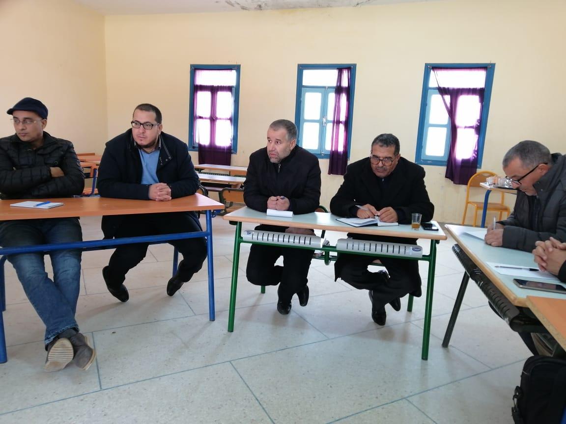 """سيدي افني : جماعة الممارسات المهنية """" قطاع أيت الرخا"""" تعقد لقاء بسبت النابور"""