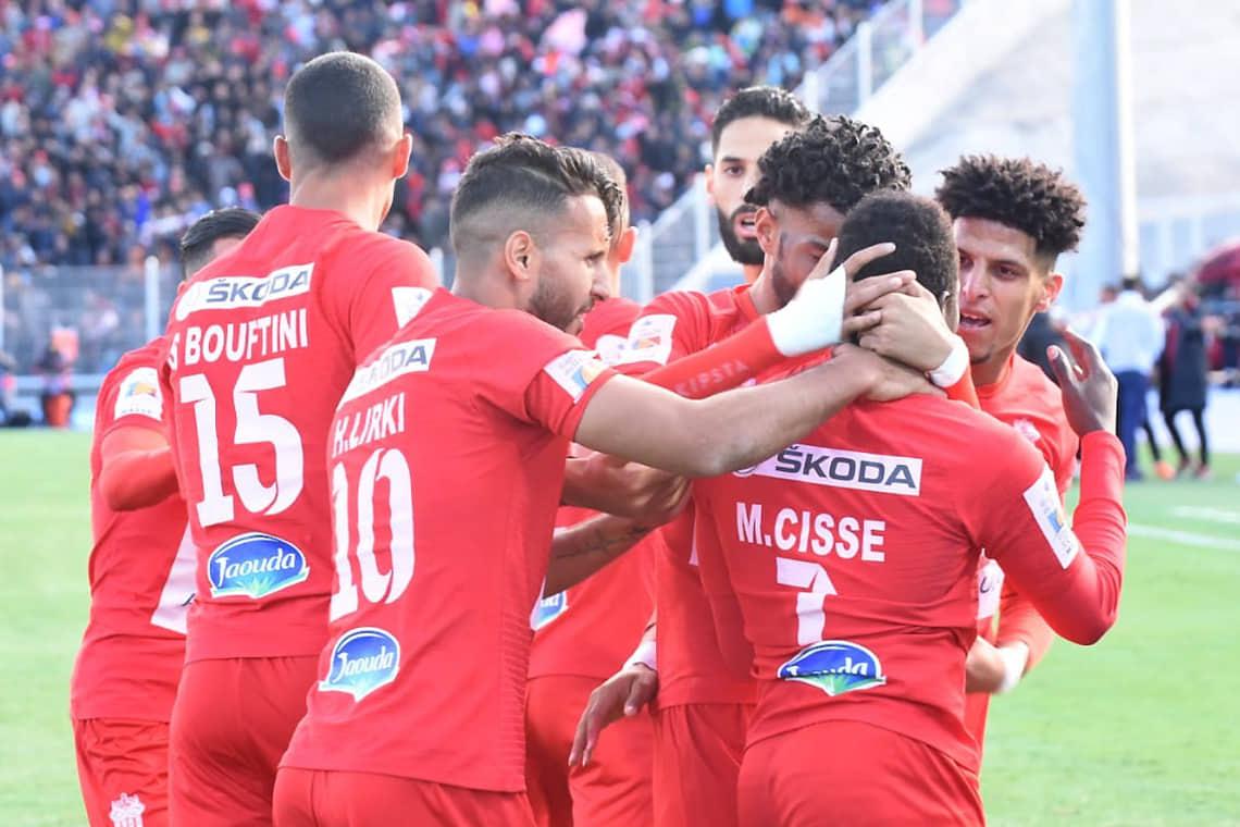 الحسنية يعود بفوز ثمين من قلب الجزائر