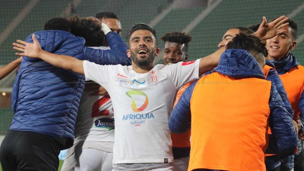 حسنية أكادير يستعيد نغمة الإنتصارات بثنائية أمام الدفاع الحسني الجديدي