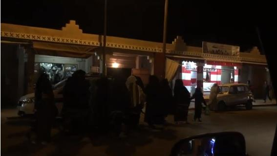 تافراوتيات في مسيرة احتجاجية ليلية بعد مصرع طفل في طريقه لمستشفى تيزنيت