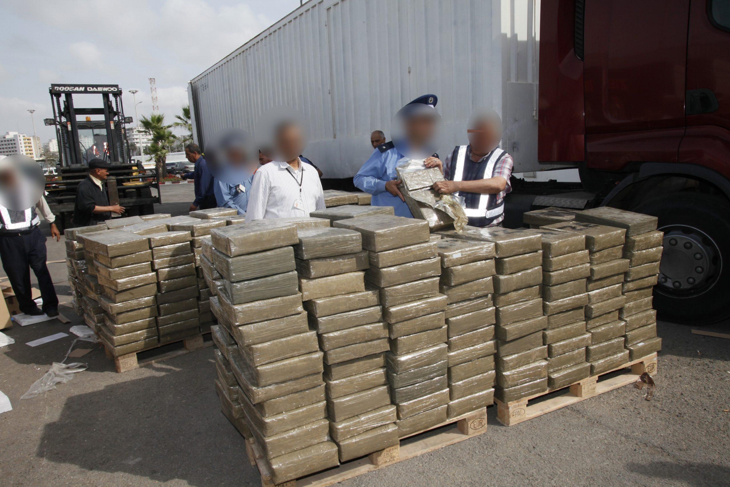 أكادير:المخدرات تطيح بسائق شاحنة للنقل الطرقي