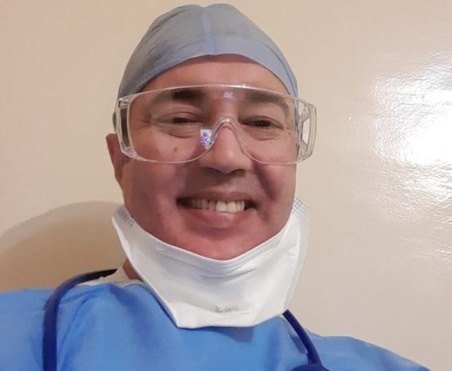 """طبيب بمستشفى أكادير : """"قد تمر العدوى اليَّ ..لكن أنا مستعد للأسوأ ليبقى الوطن والمواطن في امان"""""""