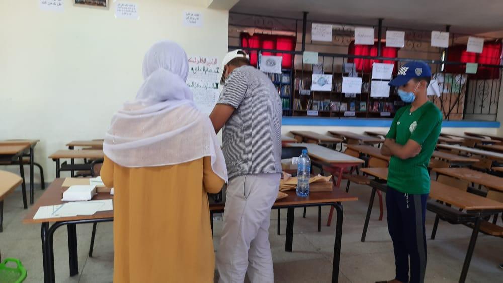 تيزنيت : الأمن الوطني يقرب خدماته للتلاميذ المترشحين لاجتياز امتحانات الباكالوريا