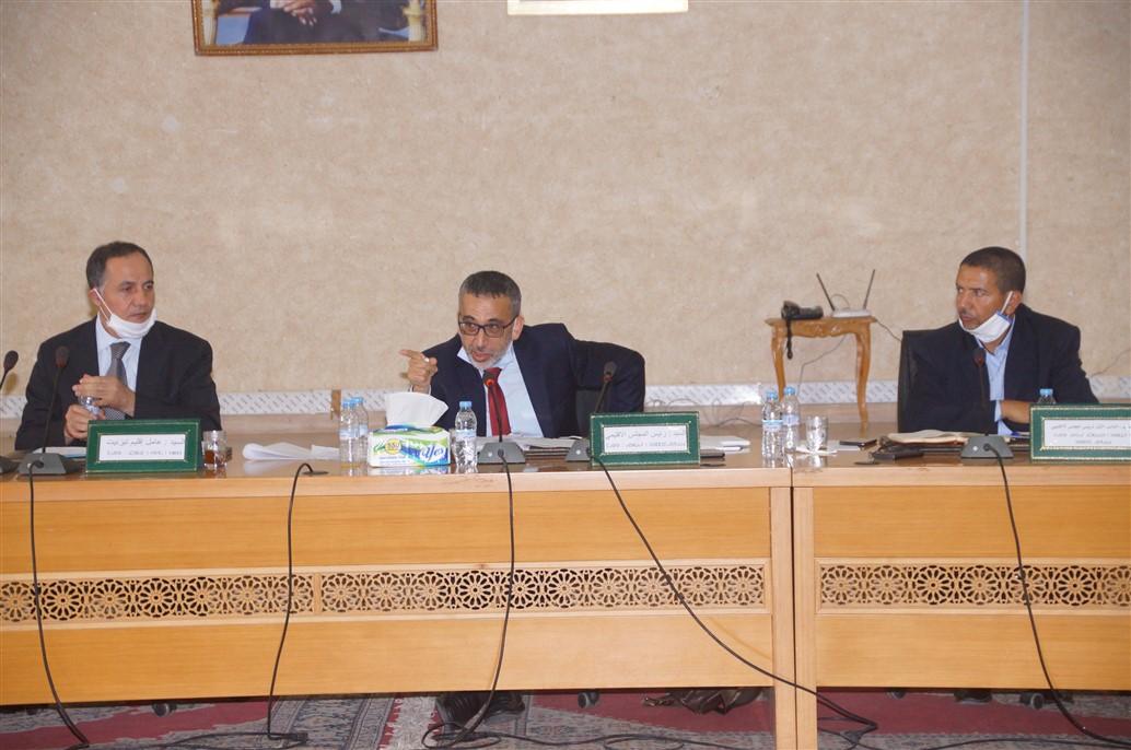 تيزنيت :أعضاء المجلس الإقليمي يصوتون برفض تفويت العقار المخصص لفضاء المخيم السياحي لأكلو