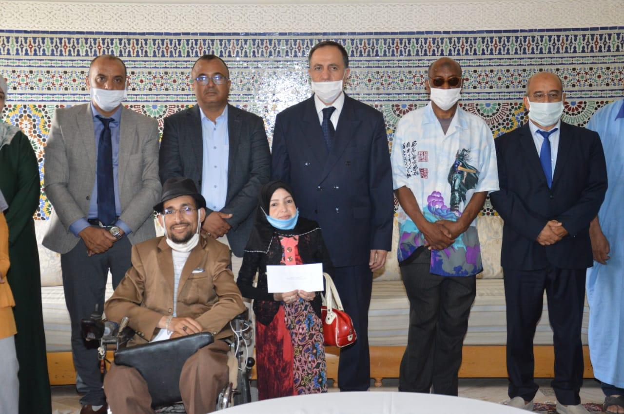 تيزنيت : التعاون الوطني يوزيع شيكات المشاريع المدرة للدخل للأشخاص في وضعية إعاقة ( صور )